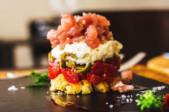 About Us - Cucina Le Due Comari